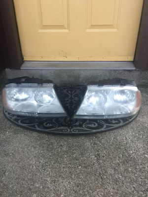 2004-2010 Lincoln Aviator front headlights the pair for $40.00 for Sale in Clifton, NJ