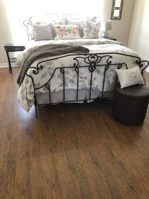 Bed frame queen for Sale in Harvey, LA