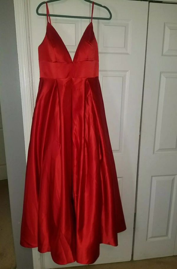 Size 14-16 red ball gown beautiful dress wedding party