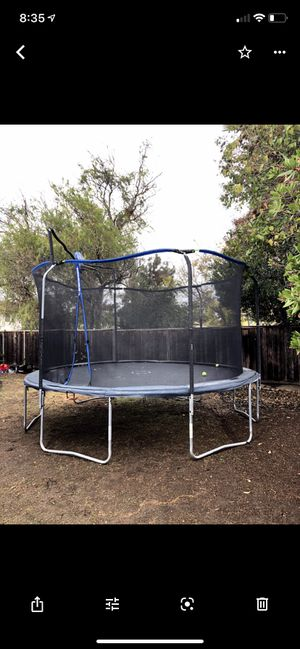 Trampoline W-Basketball Hoop for Sale in Livermore, CA