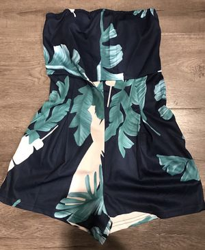 Floral Romper size small new 10$ for Sale in CRYSTAL CITY, CA