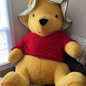 Huge Pooh Bear Teddy Bear for Sale in Elizabeth, NJ