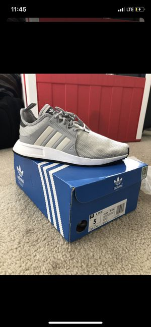 ADIDAS size 7 for Sale in Monterey Park, CA