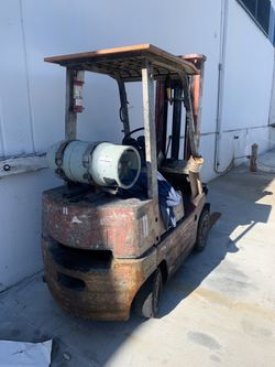 Forklift Nissan for Sale in South Gate,  CA