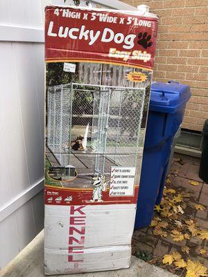 lucky dog kennel 4x5x5 for Sale in Warren, MI