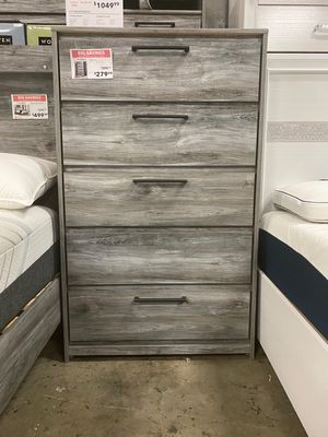 5 Drawer Chest, Grey for Sale in Norwalk, CA