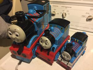 Tomas the train 3pc. Train carrier, flash light, bubble maker for Sale in Sanger, CA