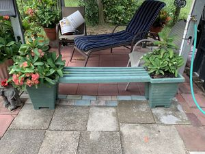 Bench with flower pots for Sale in Haines City, FL