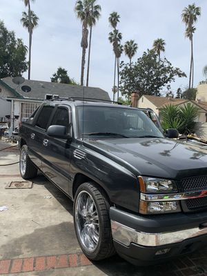 CHEVY AVALANCHE for Sale in Los Angeles, CA