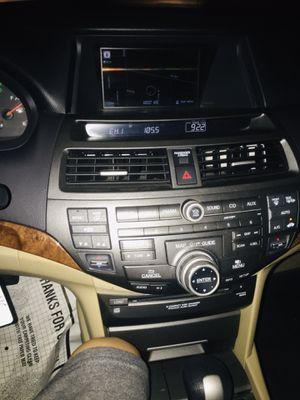 Honda Accord v6 navegación cámara de rebersa millas 67 789 todo de piel for Sale in Los Angeles, CA