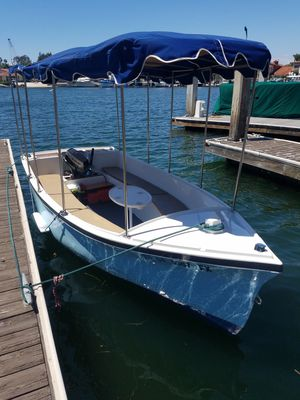 Duffy boat not electric has an outboard motor for Sale in Costa Mesa, CA