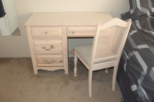Broyhill Bedroom Set for Sale in Kansas City, MO