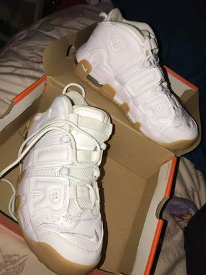 White Nike Air Max Uptempo Shoes Size 6 for Sale in San Diego, CA