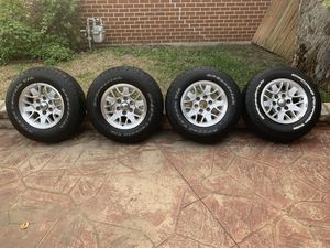Tiers and rims for Chevrolet for Sale in Grapevine, TX