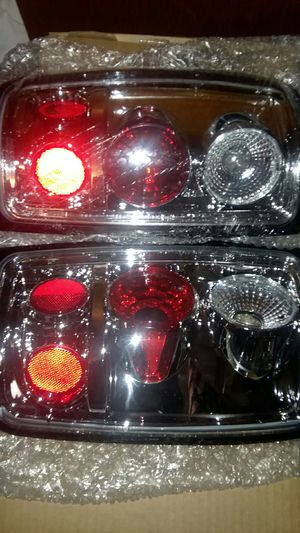 Custom Taillights for 2001 Ford expedition never try them cuz I got other set so offered up for Sale in Dickinson, ND