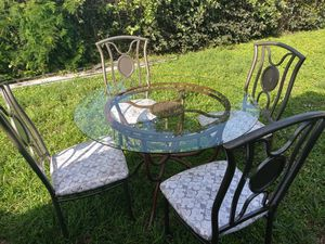 Outdoor/Indoor Round Glass Table and Chairs for Sale in Fort Lauderdale, FL