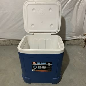 Cooler for Sale in Hoffman Estates, IL