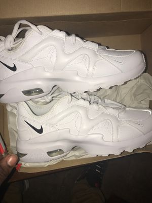 NIKE AIR MAX GRAVITONLEA for Sale in Chicago, IL