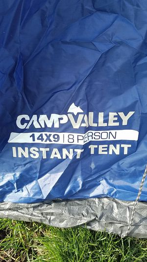 Camp Valley 14x9 - 8 person tent for Sale in Posen, IL