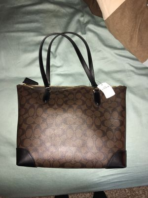 NWT dark brown and black Coach bag/tote RV $275+ for Sale in Memphis, TN