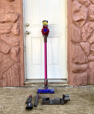 Dyson V7 Handheld Vacuum Cleaner w/ all attachments for Sale in El Cajon, CA