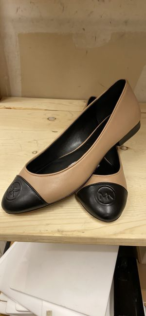 Michael Kors women shoes size 8.5 M for Sale in San Marcos, CA