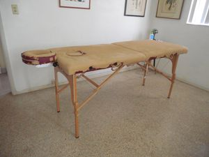 """Best Massage 27"""" X 72"""" massage table for Sale in Lauderdale Lakes, FL"""