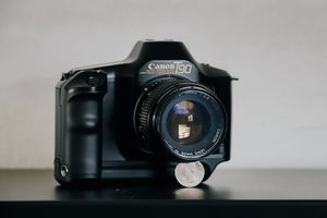Vintage Canon T90 35mm film camera w/ 100mm f/2.8 for Sale in Altamonte Springs, FL
