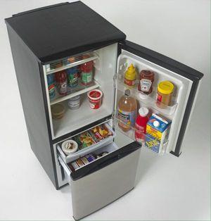 "Avanti 19"" Refrigerator Stainless Steel 2 Door Bottom Freezer 4.5 CU Ft. Nevera 2 Puertas Congelador Abajo FFBM45136SS New Nueva for Sale in Miami, FL"