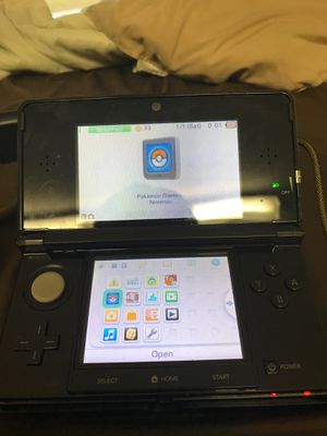 Nintendo 3DS w/ 2 games, case, charger, two charging cases for Sale in Rindge, NH