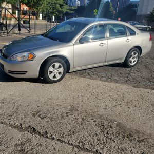 2008 chevy impala for Sale in Chicago, IL