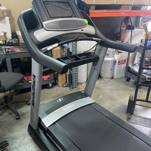 NordicTrack Commercial 2450 Treadmill for Sale in Glendale, AZ