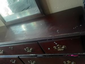 Dresser and mirror for Sale in San Jose, CA