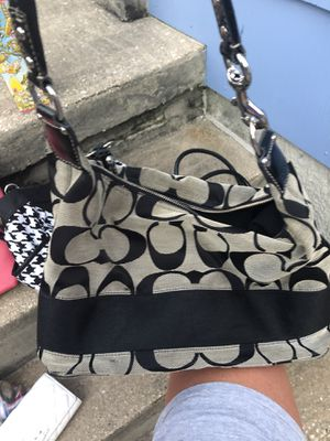 Like new coach purse for Sale in Parkville, MD