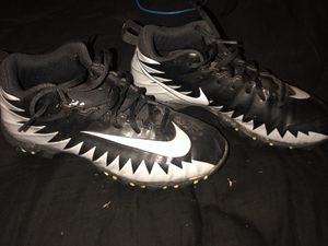 Football cleats SIZE 5for boys for Sale in Sanger, CA