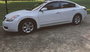 clean nissan altima 2008 low price for Sale in Cleveland, OH