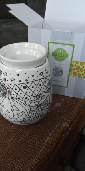 Trick or Treats Scentsy Warmer for Sale in Gulfport, FL