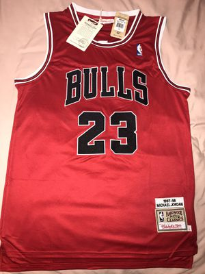 Jordan Bulls Throwback $50 Size Large and XL for Sale in Tucson, AZ