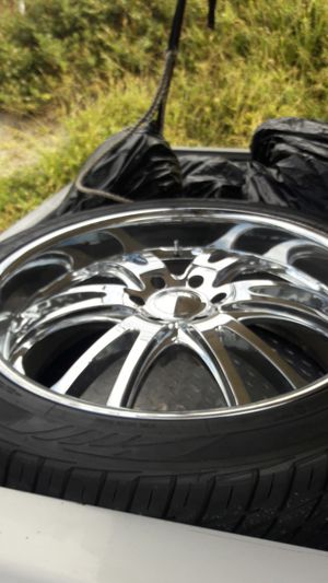 "24"" chrome rims 400 obo willing to trade for Sale in Vista, CA"