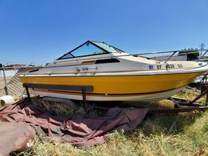 Bayliner boat with Trailer 1978 for Sale in Dinuba, CA