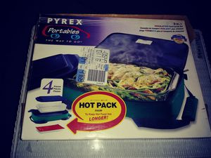 Brand new Pyrex dish with lid and carry case for Sale in Fort Myers, FL