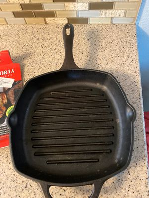 10x10 cast iron skillet for Sale in Fontana, CA