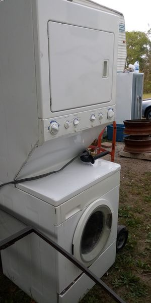 Stackable washer and dryer for Sale in Fairland, IN