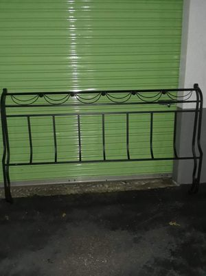 Wrought-iron California King size complete bed for Sale in Memphis, TN