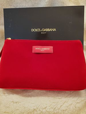 NEW Dolce & Gabbana Beauty Red Velvet Makeup Bag Wristlet New in Box for Sale in Parma, OH