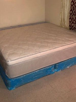 New king mattress and box spring. Delivery available for Sale in West Palm Beach, FL