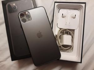 iPhone11pro max for Sale in Riverside, CA
