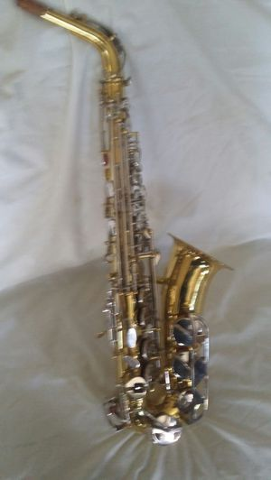 Conn 21m alto sax . Sturdy dent free . W/high F# key. Allowing for ripping and improvising as on pro horns. Plays well. Mostly unblemished. for Sale in Seattle, WA