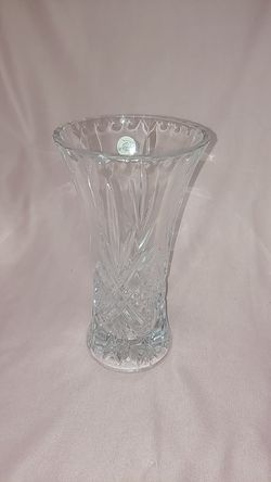 """Crystal d'Arque vase 9.5"""" tall for Sale in Lilburn,  GA"""