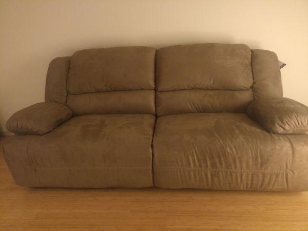 Sofa - 2 Seat Recliner
